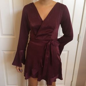 ⭐️Silky Long Sleeve Burgundy Surplice Wrap Dress